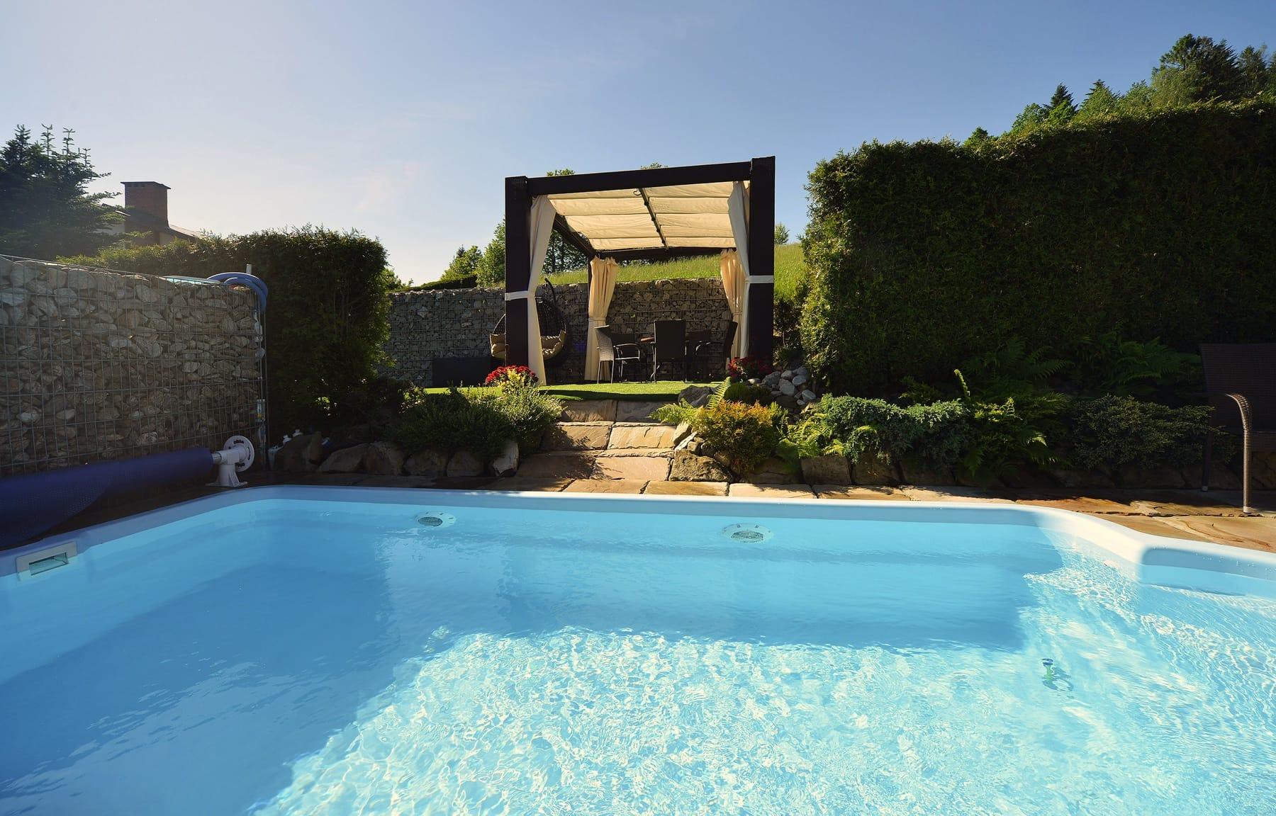 Zdjęcie basenu oraz Altany przy basenie