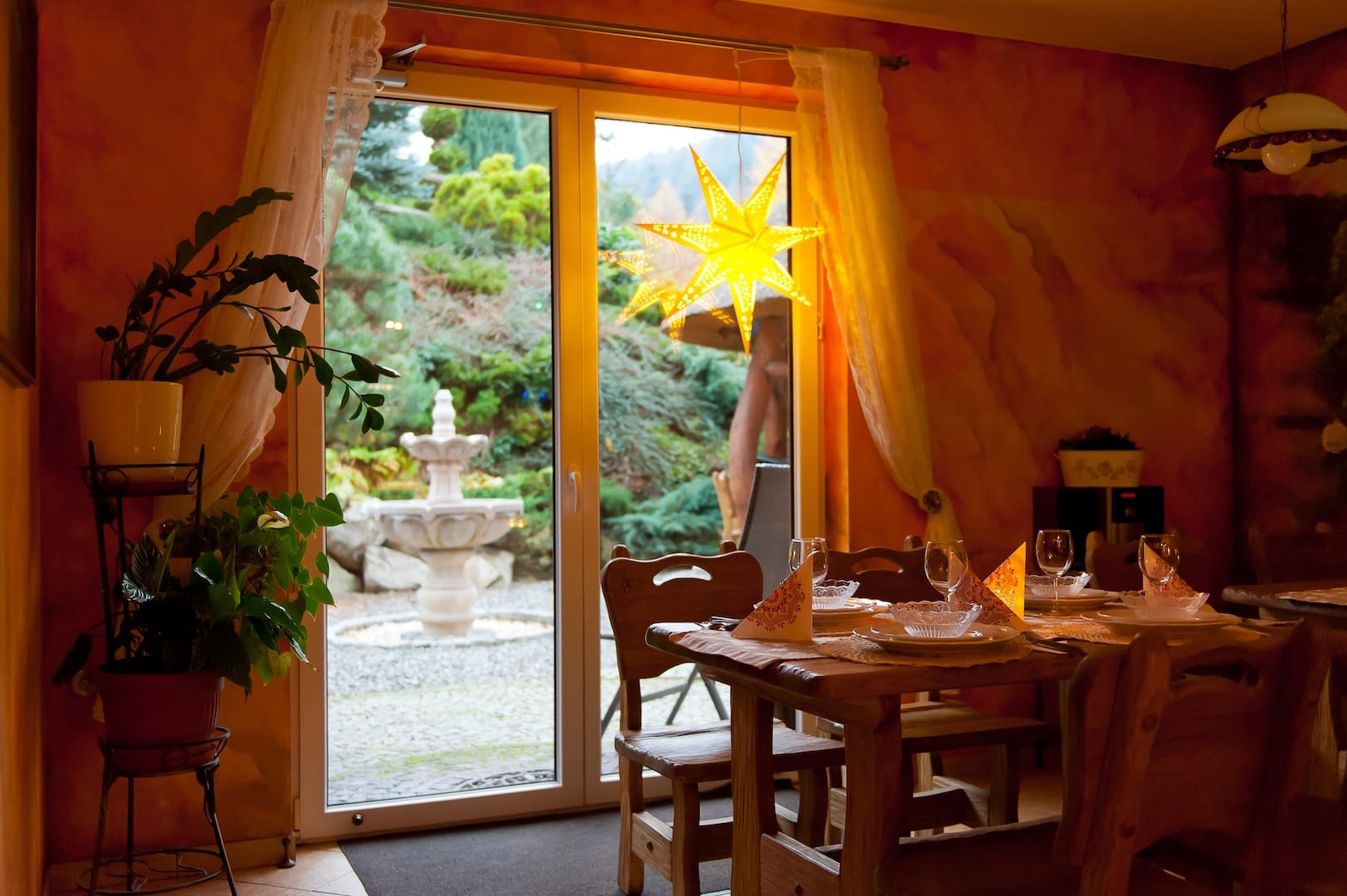 Zdjęcie kuchni oraz jadalni