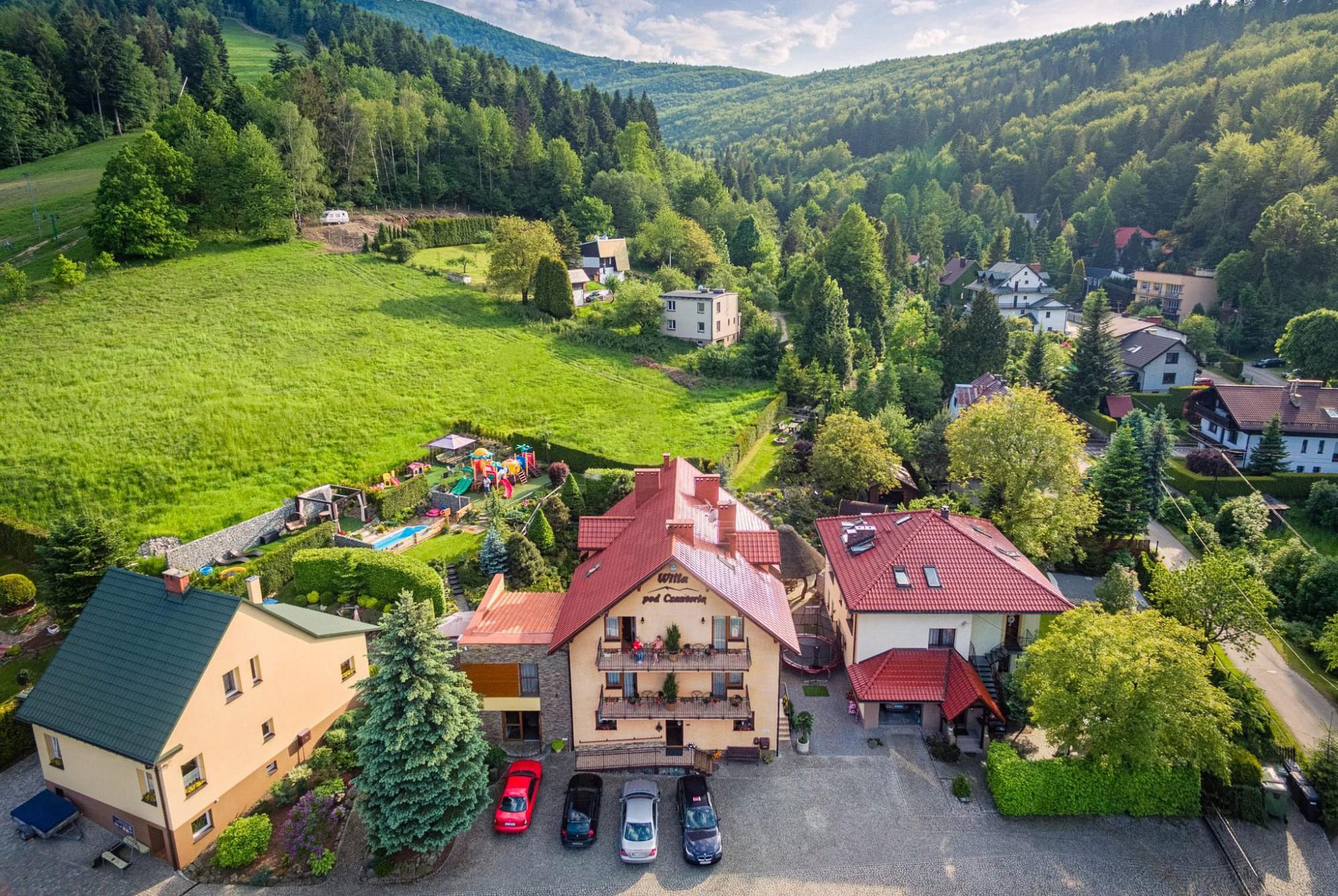 Zdjęcie z drona Willi pod Czantorią i ogrodu